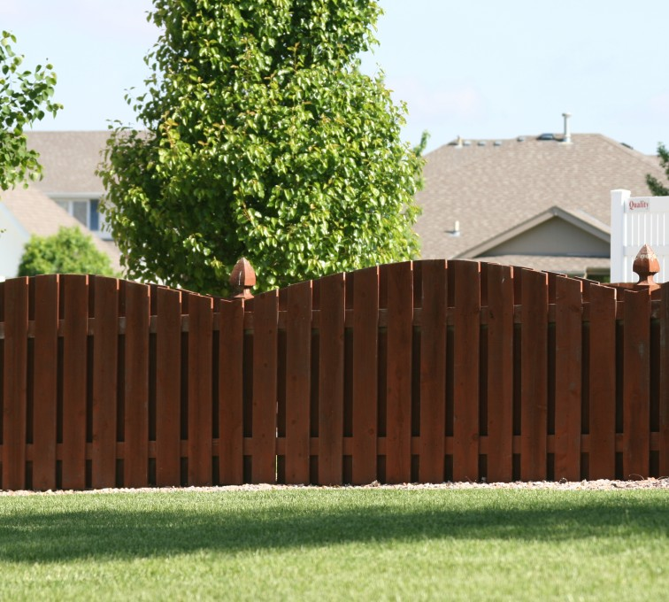 AFC Grand Island - Wood Fencing, 1002 4' overscallop picket stained