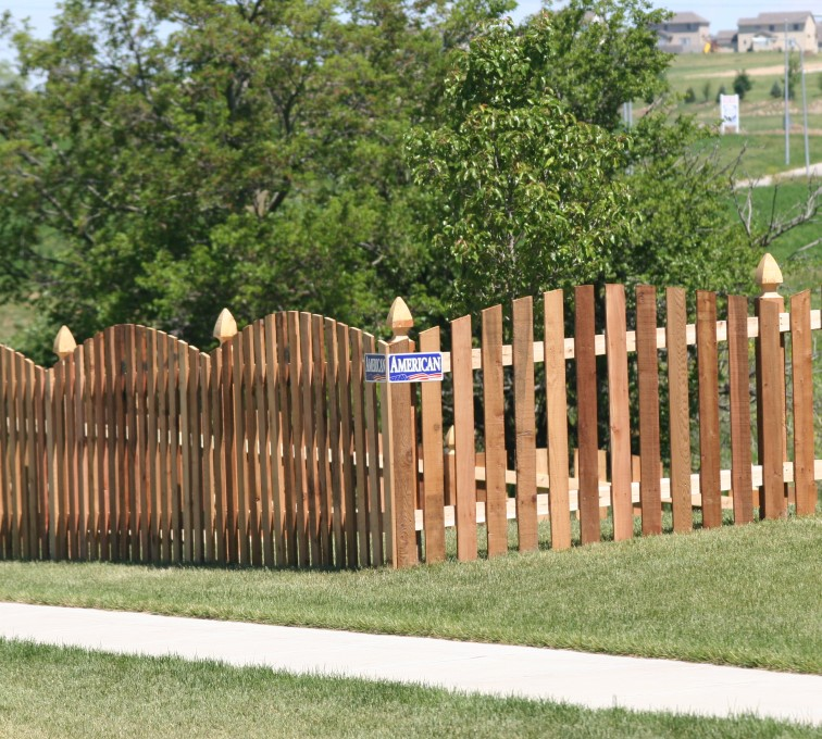 AFC Grand Island - Wood Fencing, 1024 4' overscallop picket