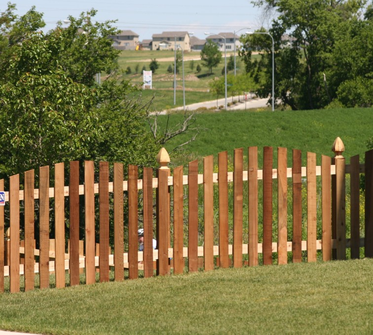 AFC Grand Island - Wood Fencing, 1025 4' Overscallop Picket