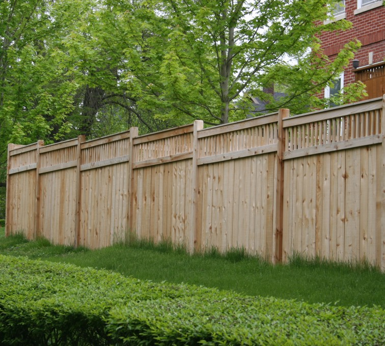 AFC Grand Island - Wood Fencing, 1064 Custom Solid with Accent Top