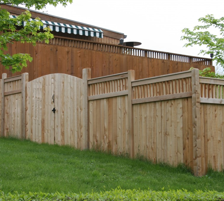 AFC Grand Island - Wood Fencing, 1066 Custom Solid with Accent Top Gate