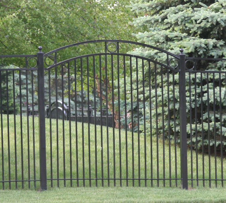AFC Grand Island - Custom Iron Gate Fencing, 1212 Overscallop panel with rings