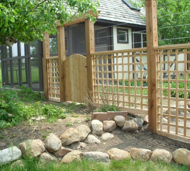 AFC Grand Island - Wood Fencing, Custom Garden Fence AFC, SD