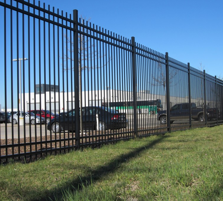 AFC Grand Island - American Ornamental Fencing, Commercial Alternating Picket