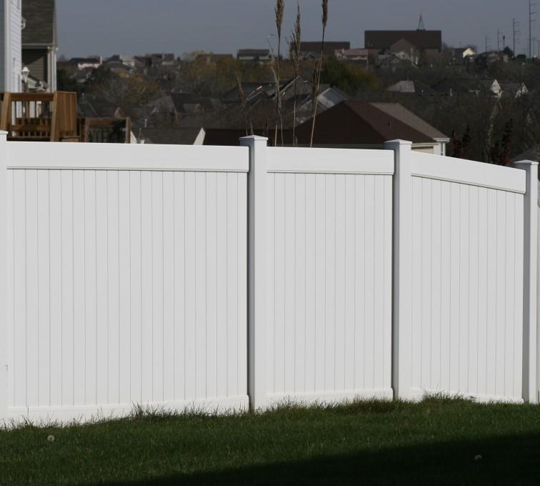 AFC Grand Island - Vinyl Fencing, Vinyl 6' solid (619)